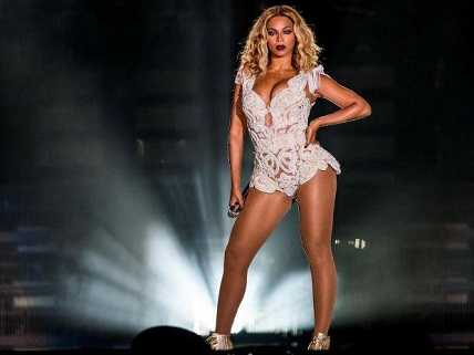 Beyonce never had a major incident during her live performances.