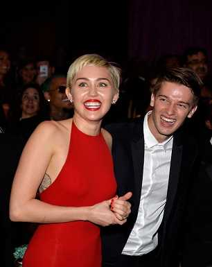 Miley Cyrus pleaded with Patrick Schwarzenegger to take her back