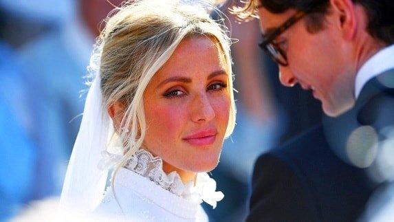 Ellie Goulding is a wedding singer