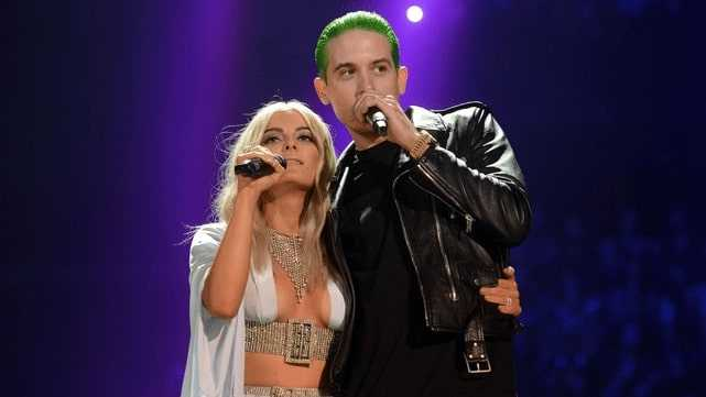 Live performance of G Eazy and Bebe Rexha