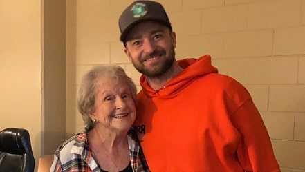 Justin Timberlake very close to his grandmother