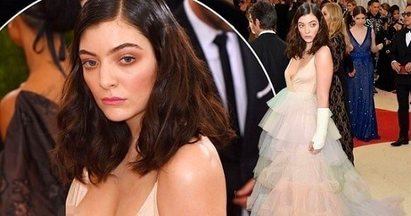 Wedding pics of Lorde