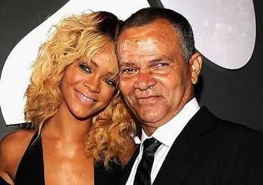 Rihannas whole family addicted to drugs and alcohol except her mother