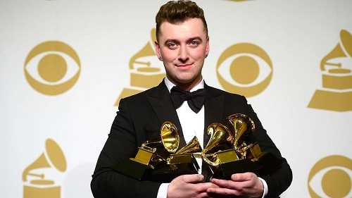 Sam Smith has double jointed fingers