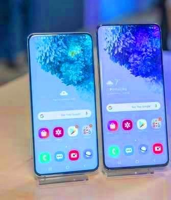 S20 vs S20 Plus screen display size