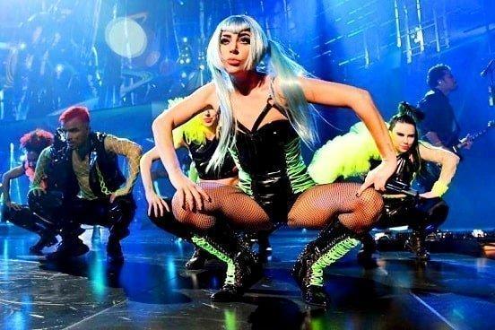 Sexy legs Lady Gaga live concert