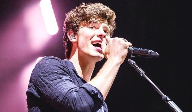 Live performance of Shawn Mendes