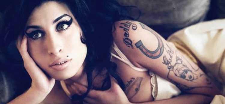 Bikini pics of Amy Winehouse