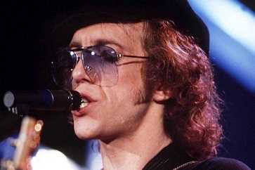 Bob Welch loved his wife so much, he committed suicide