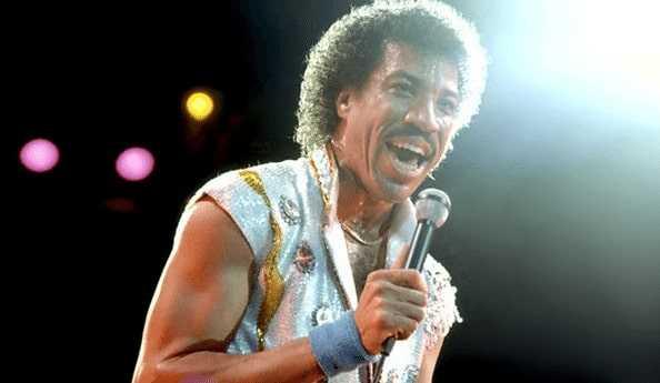 Live performance of Lionel Richie