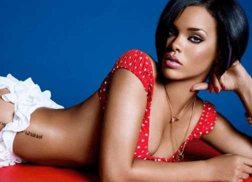 Sexy body of Rihanna