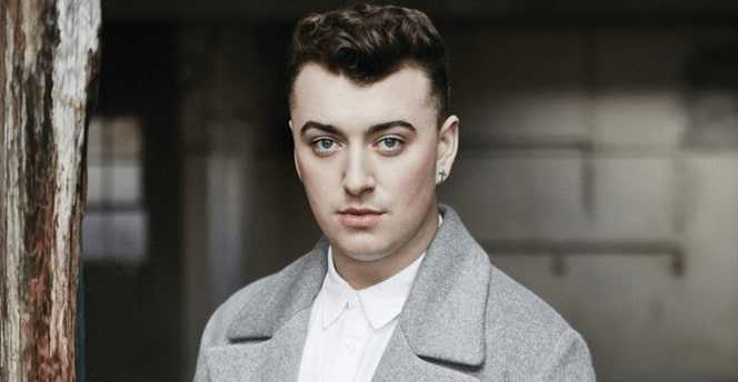 Sam Smith hates to be stared at