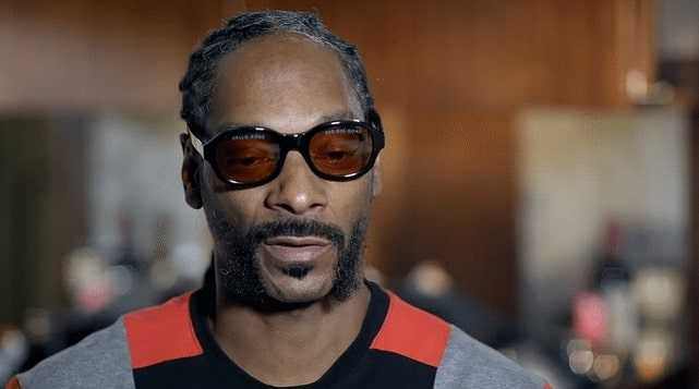 Snoop Doggs big moustache